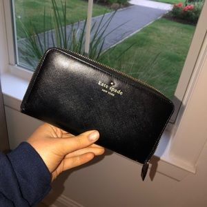 Kate Spade Large Black/Gold Zip Wallet